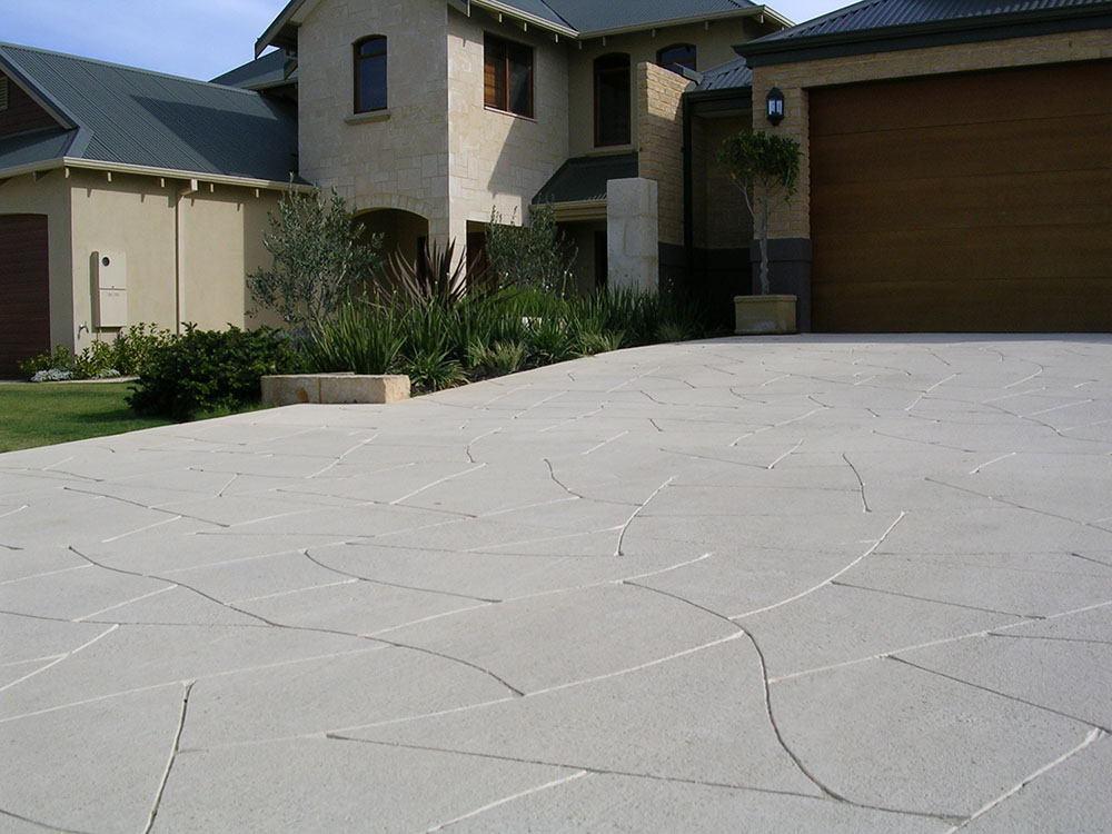 Liquid limestone perth liquid limestone concrete poured for Pouring concrete driveway